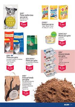 Ofertas de Snacks para mascotas  en el folleto de Aldi en Valencia