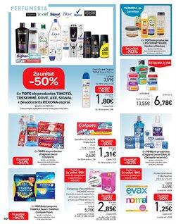 Ofertas de Dove  en el folleto de Carrefour en Castelldefels