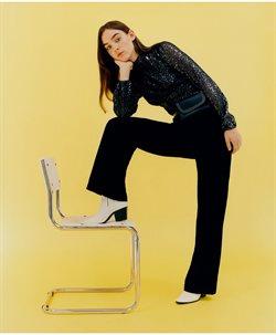 Ofertas de Zapatos mujer  en el folleto de Bershka en Sevilla