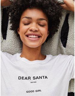 Ofertas de Camiseta mujer  en el folleto de Bershka en Madrid