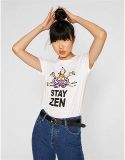 Ofertas de Camiseta mujer  en el folleto de Stradivarius en Motril