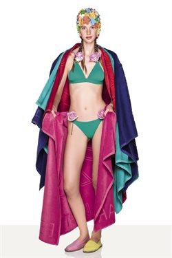 Ofertas de Toalla de playa  en el folleto de United Colors Of Benetton en Córdoba