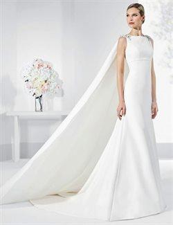 Ofertas de Vestido de novia con cola  en el folleto de Franc Sarabia en Madrid