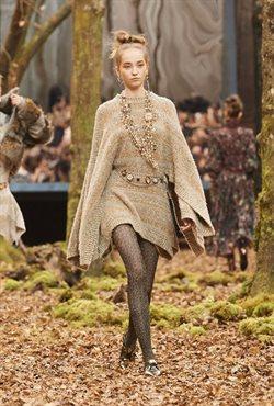 Ofertas de Vestidos  en el folleto de Chanel en Puigcerda