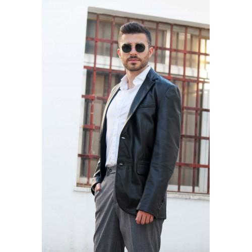Oferta de Blazer de piel estilo elegante por 199.2€