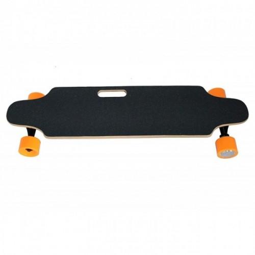 Oferta de Skateboard monopatin electrico con mando y motor de 250 W por 249€