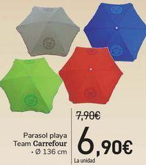Oferta de Parasol playa team Carrefour  por 6,9€