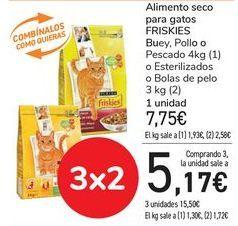 Oferta de Alimento seco para gatos FRISKIES Buey, Pollo o Pescado  por 7,75€