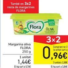 Oferta de Margarina oliva FLORA  por 1,44€