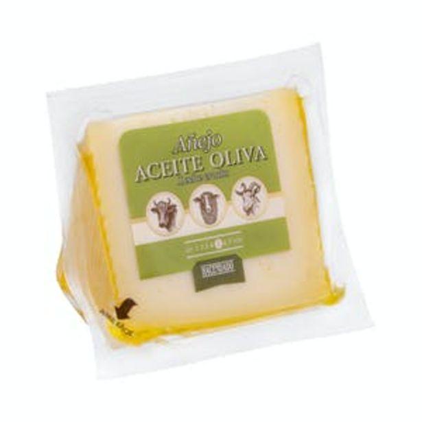 Oferta de Queso añejo con aceite de oliva Hacendado por 3,63€