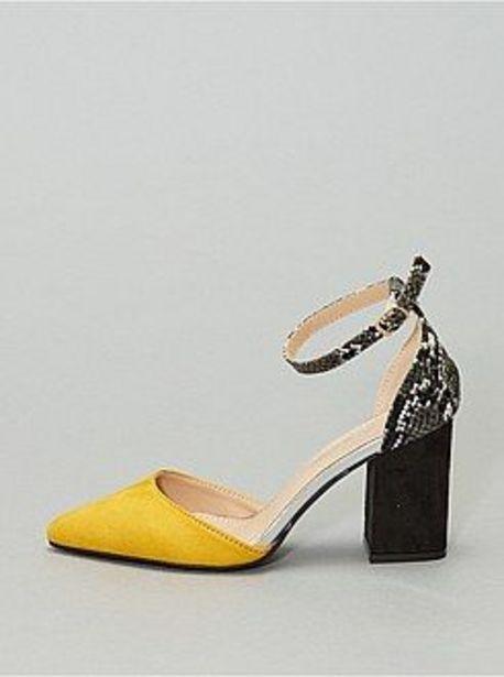 Oferta de Zapatos de tacón semiabiertos en dos materiales por 18€