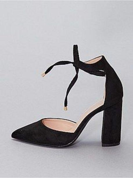 Oferta de Zapatos de tacón semiabiertos por 17€