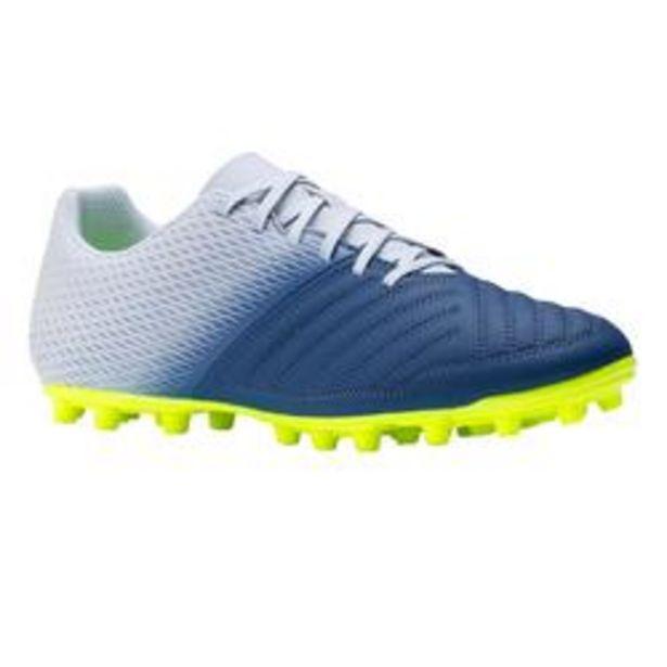 Oferta de Botas de Fútbol adulto Kipsta Agility 140 FG gris y azul por 16,99€