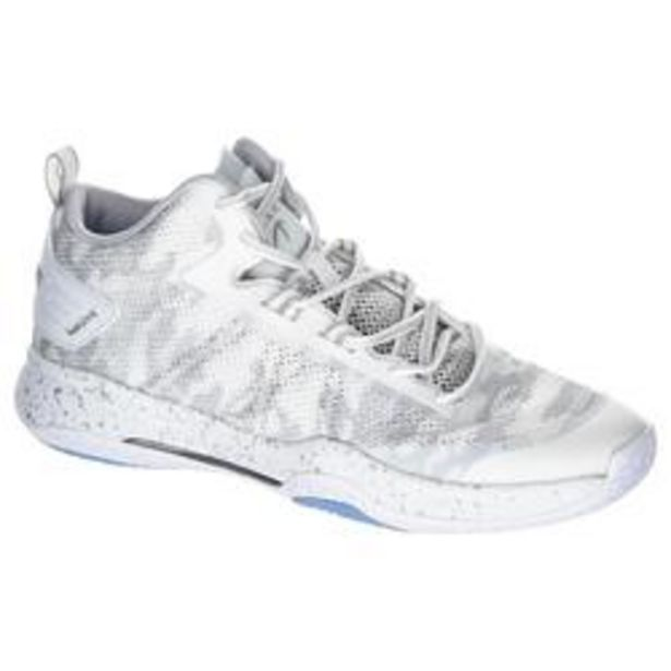 Oferta de Zapatillas Baloncesto Tarmak SC500 Mid adulto Blanco por 29,99€