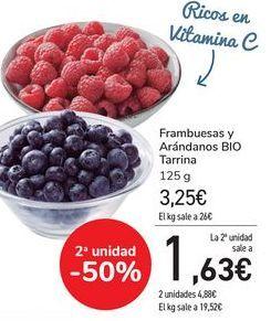 Oferta de Frambuesas y Arándanos BIO Tarrina por 3,25€