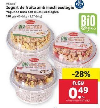 Oferta de Yogur de frutas con muesli ecológico Milbona por 0,49€