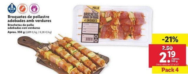 Oferta de Brochetas de pollo adobadas con verduras por 2,19€