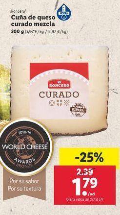 Oferta de Cuña de queso mezcla curado Roncero por 1,79€