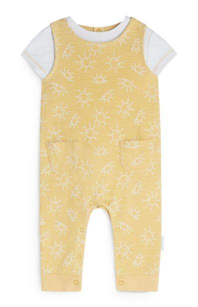 Oferta de Conjunto de peto amarillo con estampado de soles para recién nacido por 13€