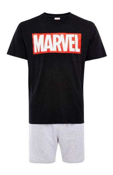 Oferta de Pijama corto negro y gris con logo de Marvel por 14€