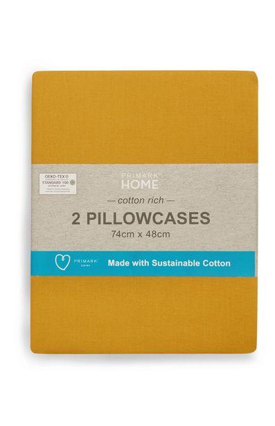 Oferta de Conjunto de 2 fundas de almohada sostenibles color mostaza por 4€