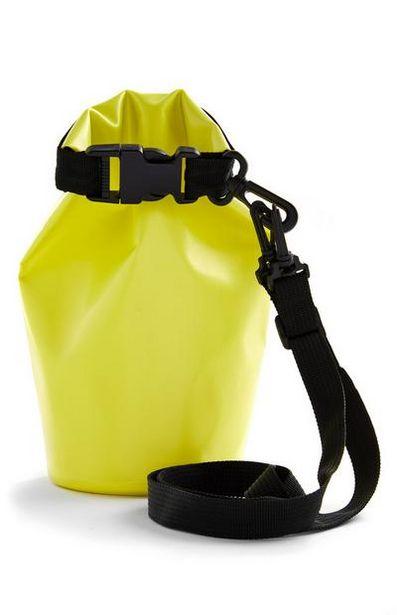 Oferta de Bolso seco amarillo para exteriores por 4€