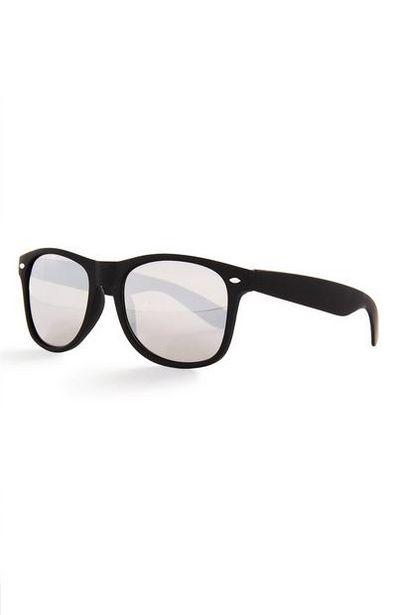 Oferta de Gafas de sol negras con lentes tintadas espejadas por 4€
