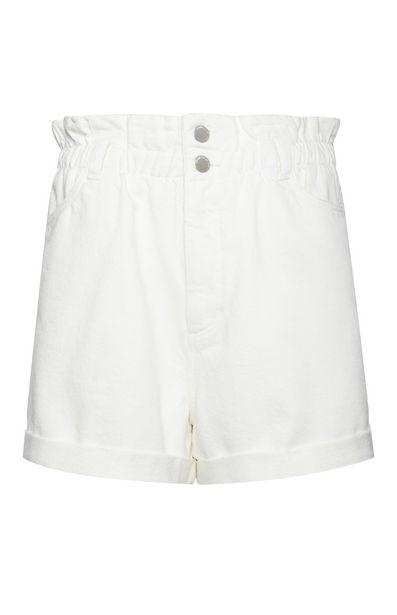 Oferta de Pantalón corto blanco y elástico de talle alto por 15€