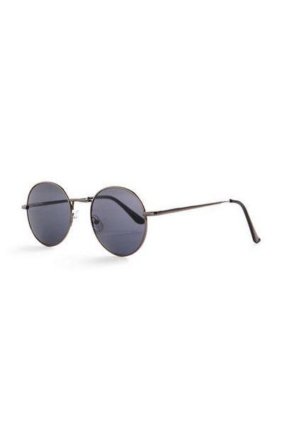 Oferta de Gafas de sol negras básicas redondas con cristales tintados por 2€