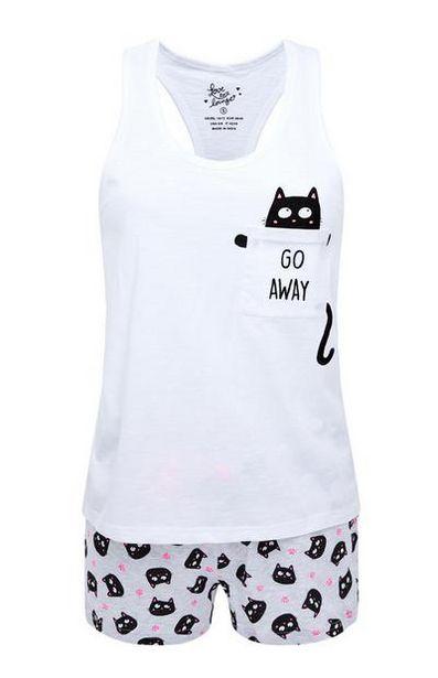 Oferta de Pijama corto blanco con estampado de gato por 6€