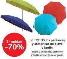 Oferta de En TODOS los parasoles y sombrillas de playa o jardín, igualkes o combinados por