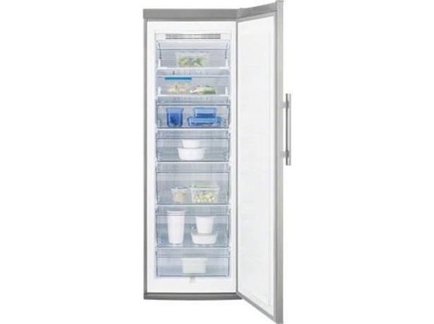 Oferta de Congelador Vertical Reacondicionado ELECTROLUX EUF2744AOX (Grado B - Estático - 185.9 cm - 229 L - Inox) por 535,97€