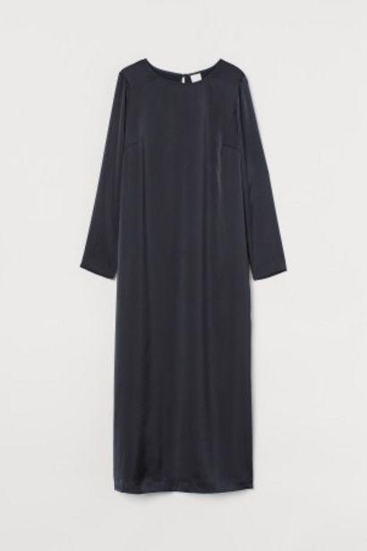 Oferta de Vestido midi de satén por 11,99€