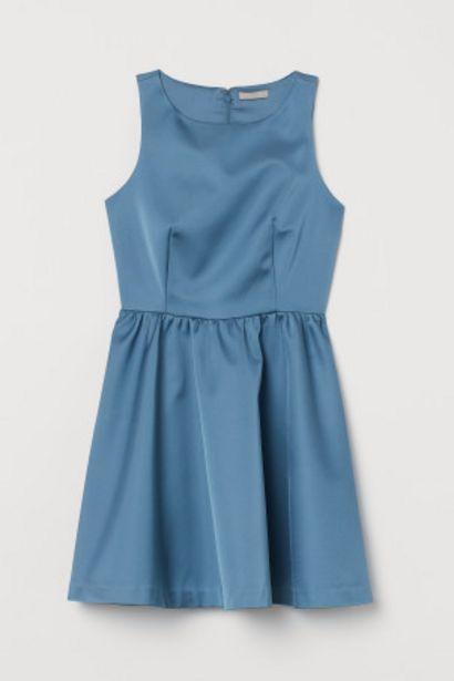 Oferta de Vestido corto de satén por 23,99€