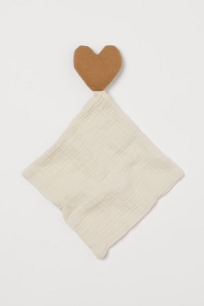 Oferta de Manta infantil con corazón por 9,99€
