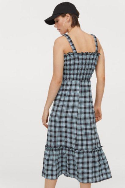 Oferta de Vestido con cuerpo fruncido por 12,99€