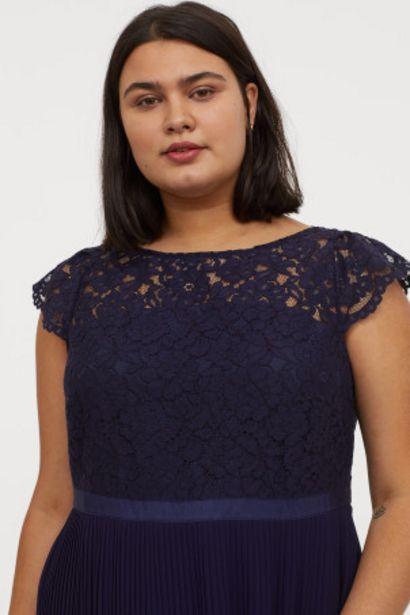 Oferta de H&M+ Vestido plisado largo por 24,99€