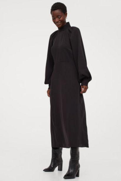 Oferta de Vestido con cuello elevado por 17,99€
