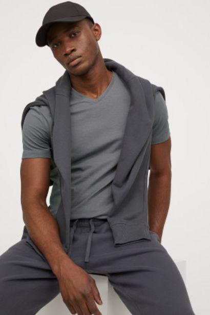 Oferta de Camiseta cuello en V Slim Fit por 2,99€