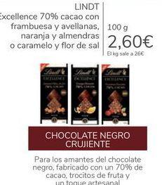 Oferta de LINDT Excellence 70% cacao con frambuesa y avellanas, naranja y almendras o caramelo y flor de sal por 2,6€