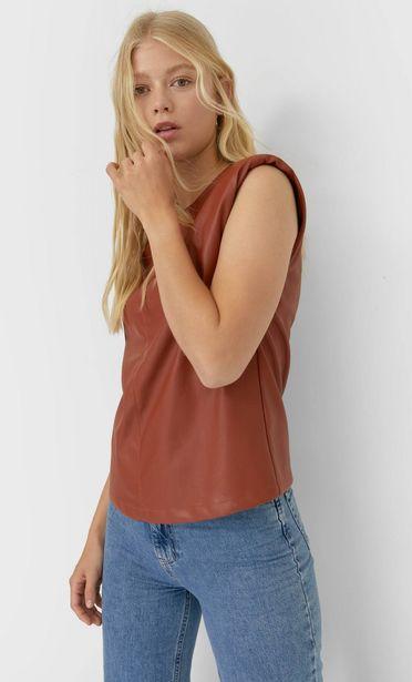 Oferta de Camiseta hombreras efecto piel por 5,99€