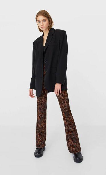 Oferta de Pantalon flare estampado por 12,99€