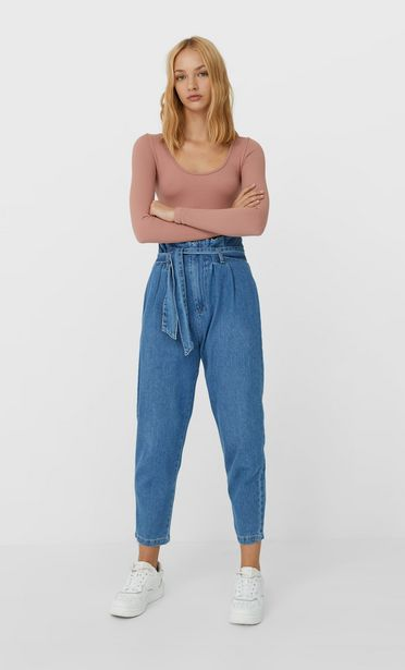 Oferta de Jeans paper bag cinturón por 15,99€