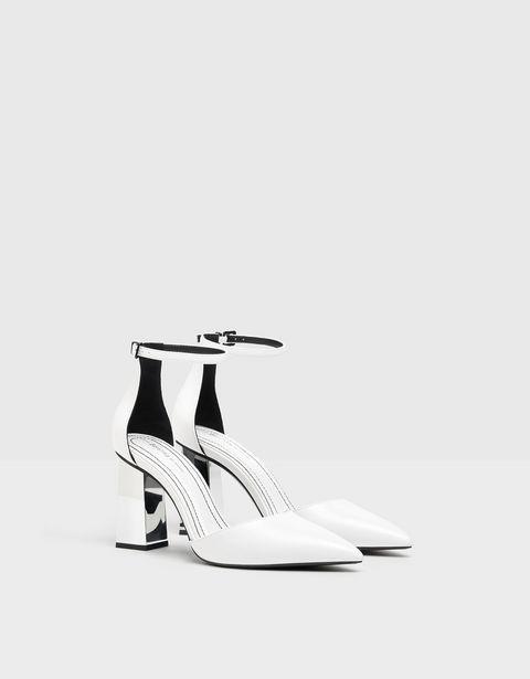 Oferta de Zapato tacón metalizado por 15,99€