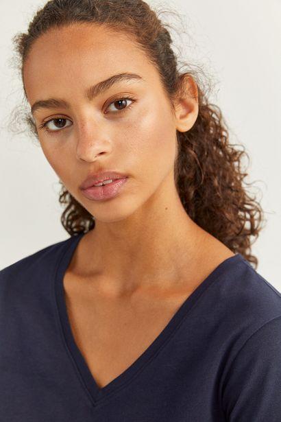 Oferta de Camiseta Básica Cuello Pico por 7,99€