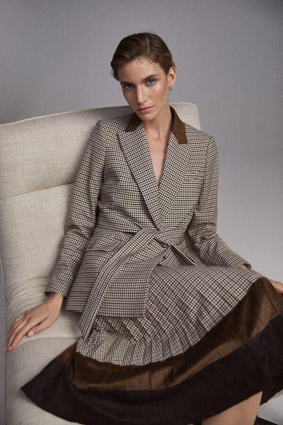 Oferta de Falda midi plisada por 64€