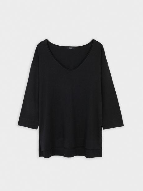 Oferta de Camiseta Con Escote De Pico por 12,99€
