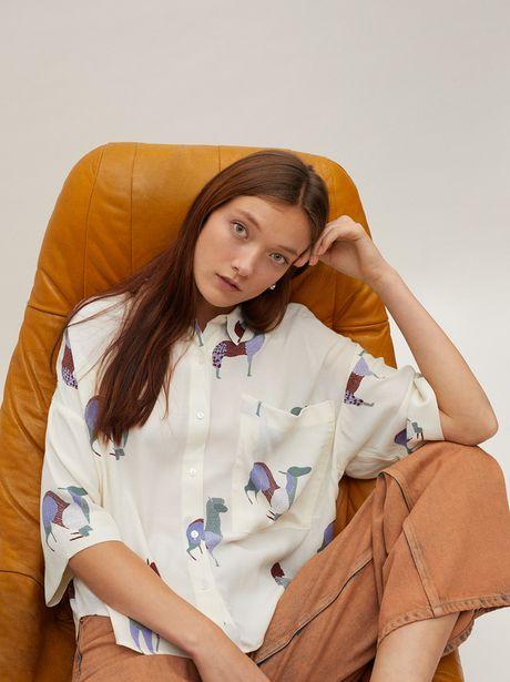 Oferta de Camisa Fluida Estampado Llamas por 17,99€