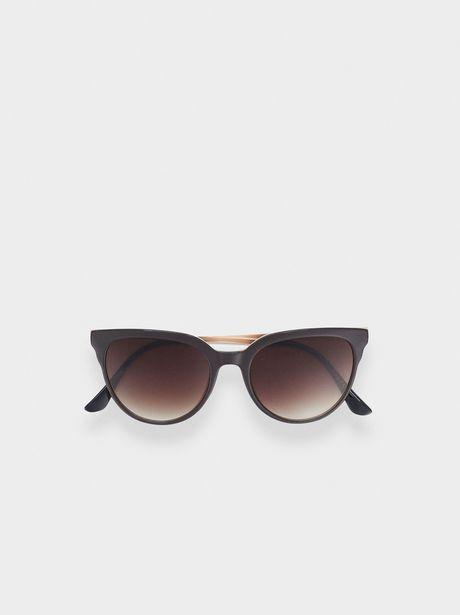 Oferta de Gafas De Sol Con Montura De Pasta por 15,99€