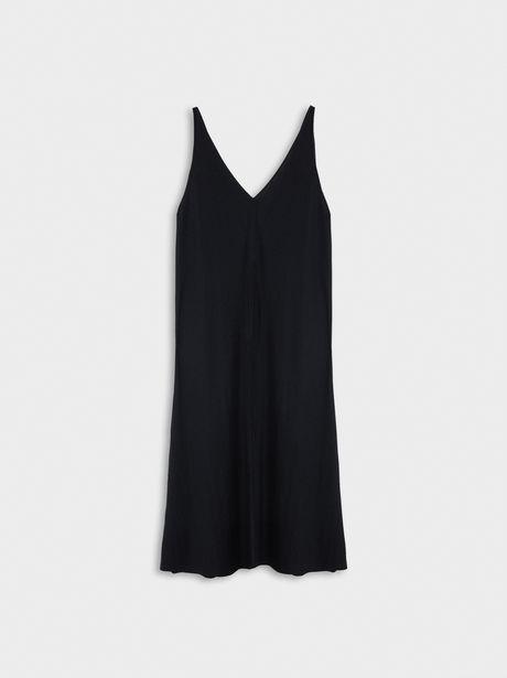 Oferta de Vestido Fluido Escote Pico por 19,99€